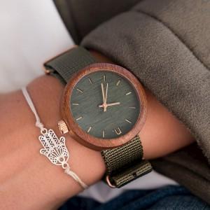 Dámské dřevěné hodinky v zelené barvě s textilním řemínkem