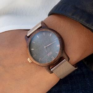 Dámské dřevěné hodinky na ruku v šedě zlaté barvě
