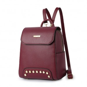 Bordový batoh dámský s vybíjením ve spodní části
