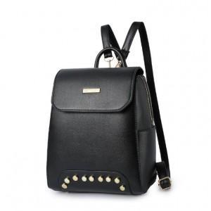 Černý dámský batoh se zapínáním na zip