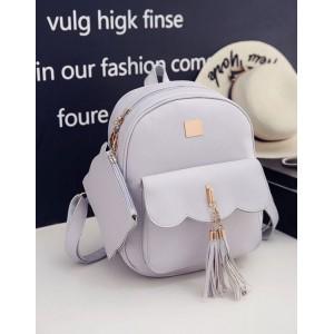 Koženkový batoh šedé barvy s kapsičkou