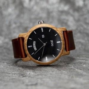 Černo hnědé dřevěné náramkové hodinky pánské