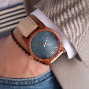 Pánské dřevěné hodinky s koženým páskem a modrým ciferníkem