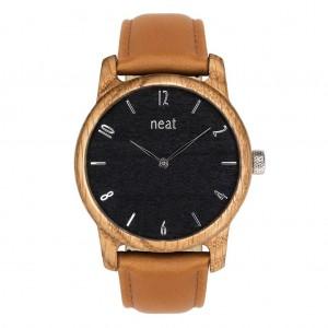 Hnědé dřevěné pánské hodinky s černým ciferníkem