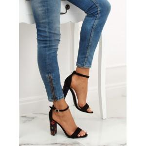 Stylové dámské sandály s originálním podpatkem