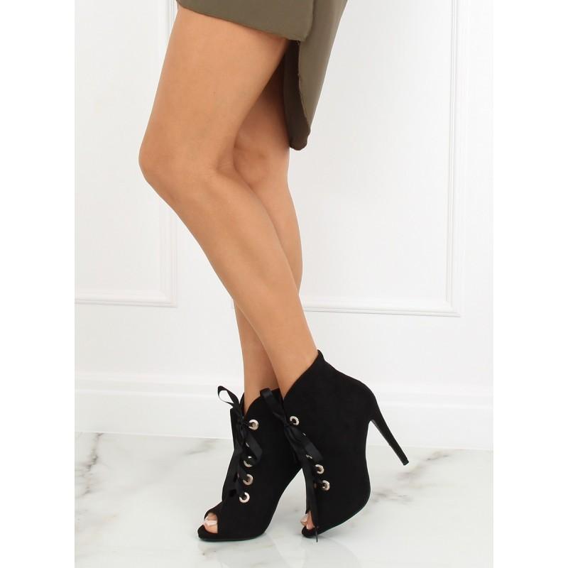 c9512109f184 Luxusní černé dámské kotníkové boty s mašlí a otevřenou špičkou