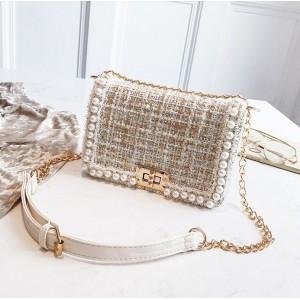 Dámská elegantní crossbody kabelka se zlatou řetízkem