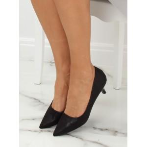 Elegantní černé lodičky s leskem na nízkém podpatku