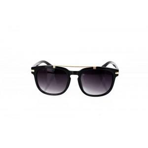 Lesklé černé brýle s kovovým prvkem