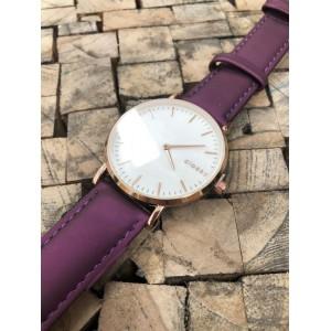 Stylové dámské hodinky s růžovým kovem a módním fialovým řemínkem