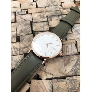 Originální dámské hodinky se zeleným páskem a zlato růžovým kovem