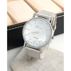 Dámské stříbrné hodinky s kovovým páskem a ciferníkem