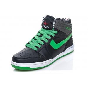 Stylové pánské tenisky černé barvy v kombinaci se zelenými prvky