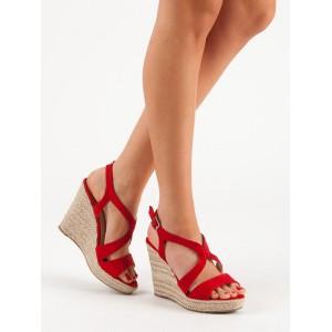 Dámské červené letní sandály na vysoké platformě s řemínkem