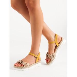 Stylové dámské žluté sandály na platformě s módním barevným pletencem