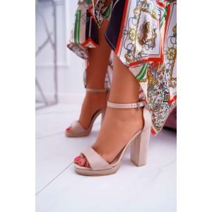 Dámské sandály na podpatku se zapínáním na ramínek