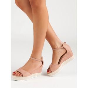 Dámské letní sandály s páskem a na platformě v pudrově růžové barvě