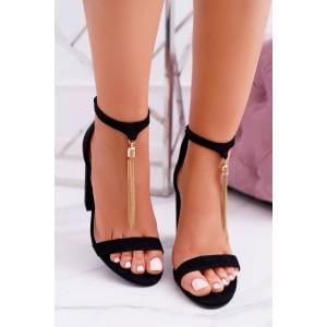Elegantní dámské černé sandály ozdobené zlatou řetízkem