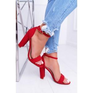 Stylové dámské sandály v karmínově červené barvě na vysokém podpatku