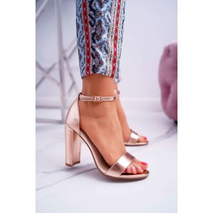 Elegantní dámské růžovo metalické sandály s páskem kolem nohy