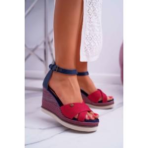 Dámské červené sandály na platformě s řemínkem