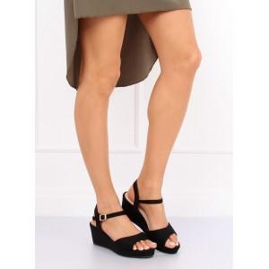 Černé dámské sandály pohodlného střihu na platformě s vázáním