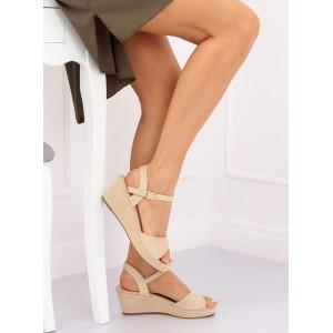Pohodlné dámské jednobarevné béžové sandály na platformě