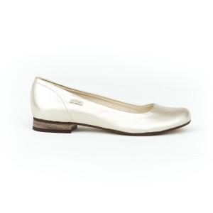 Společenské dámské zlaté kožené baleríny na nízkém podpatku
