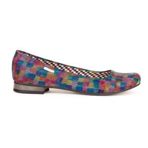 Trendy dámské kožené balerínky s barevným kostkovaným motivem