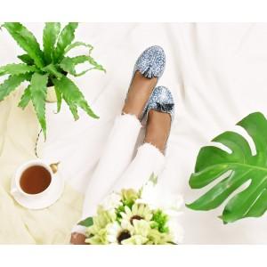 Elegantní modré kožené baleríny na podpatku s mozaikovým vzorem