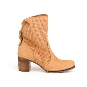 Originální dámské kožené boty v pískové barvě na podpatku