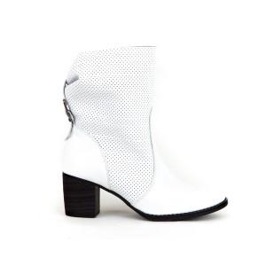 Dámské kožené bílé jarní boty dírkované na podpatku