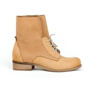 Dámské kožené boty v pískové barvě s originálním designem