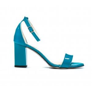 Kožené tyrkysové lakované dámské sandály s jemným řemínkem