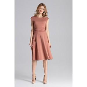 Dámské šaty v hnědé barvě s rozšířenou sukní a nařaseným pasem