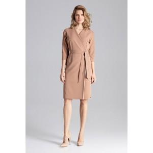 Světle hnědé dámské šaty módního střihu s V výstřihem a páskem