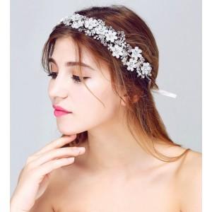 Ozdoba do vlasů pro nevěsty s květinami