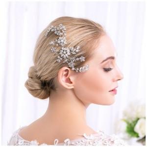 Malá ozdoba do vlasů pro nevěsty