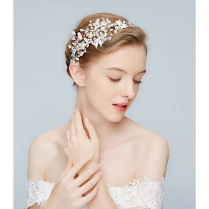 Korunka do vlasů pro každou nevěstu