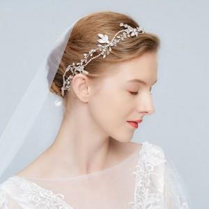 Stylová korunka do vlasů na svatbu