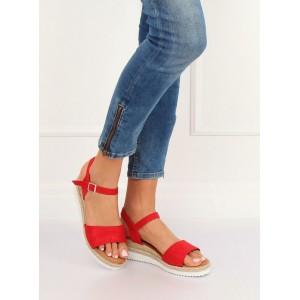 Pohodlné dámské letní červené sandály na nízké platformě