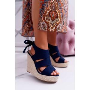 Krásné tmavě modré dámské letní sandály na pletencový platformě