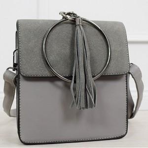 Dámská šedá malá kabelka na rameno s ozdobným kruhem a třásněmi