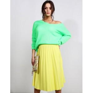 Krásná jarní dámská midi plisovaná sukně ve žluté barvě