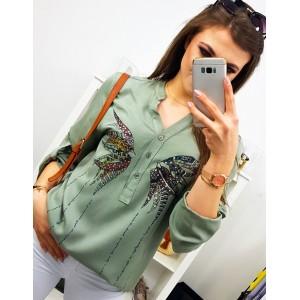 Dámská světle zelená vzdušná košile s módní potiskem motýla