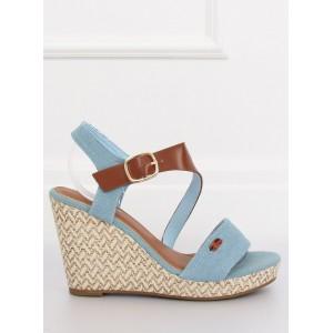 Stylové letní sandály na platformě světle modré barvy