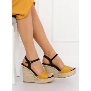 Pohodlné dvoubarevné letní sandály na platformě
