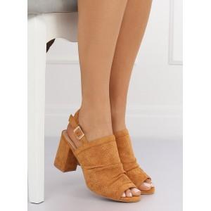 Moderní dámské sandály na hrubém podpatku