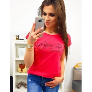 Červeno malinové dámské tričko s krátkým rukávem a trendy nápisem