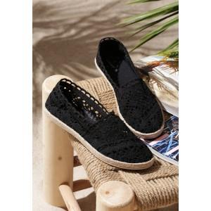 Letní dámské krajkové espadrilky černé barvy